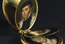 16.XVII - zegarki, miniatury, różańce, wachlarze, biżuteria, parasole, okulary