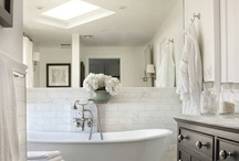 Le bain / My secret obsession...bathrooms! / by Angela Lynn
