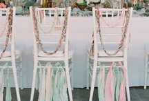 Chiavari Chair Decor Ideas / Ideas to decorate our chiavari wedding chairs for your wedding reception or wedding ceremony.
