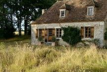 A Cottage Is Always Quite Nice / by La Laura