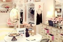 Master Closet / Creative ideas to organize and decorate our master bedroom closet.