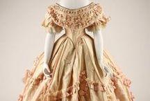 Civil War Era ~1850s - 1860s / Western women's fashion of the mid Victorian era
