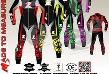 Custom made Motorbike leather suit one piece / Quality without CompromiseWe specialize in Bespoke motorbike gearsOur product range include made to measure motorbike suits(1pc/2pc),jacket,trouser,boots and glovesWith us you can easily create a motorbike apparel that perfectly match your personality and bikeWorldwide ShippingClick