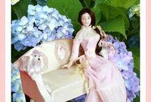 Dollhouse doll Ladies / Porcelain scale 1:12 miniature dolls for the dollhouse.