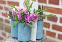 Outdoor-DIY / Gemütlichkeit geht nur Indoor? Falsch! Mit diesen Outdoor-Ideen verlagert ihr euer Wohnzimmer nach draussen und verleiht eurem Garten mit kleinen Tricks einen neuen Look.