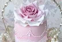 Cakes / by Amanda Tout Mon Amour