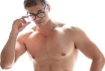 geeks go gorgeous / by Chad Wick