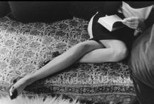 Reading is sexy / Y ya saben, no olviden seguir nuestro consejo diario: si antes de concluir el día se les presenta la oportunidad, no dejen de abrir un libro. Aunque no lo crean, leer les hará parecer, si cabe, aún más sexys.