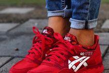 Sneakers (women/girls)