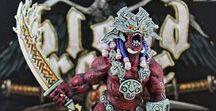 Blood Rage / En Blood Rage, los jugadores controlan formidables clanes vikingos que se disputan la gloria antes de que el mundo sea engullido por un cataclismo apocalíptico. A medida que el Ragnarök consume los reinos, los vikingos pugnan por hacer lo que mejor saben: invadir y saquear, matar y morir en batallas épicas. ¡La vida es efímera, pero la gloria es eterna!