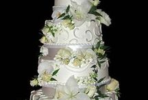 Decorated Cakes / by Sandra Bobo