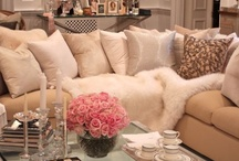 Decor / by Lesa Wilson