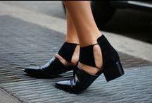 shoe game / by Sara Saavedra