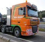 * V.D. VLIST / Sinds de oprichting in 1930 heeft de Van der Vlist-groep zich ontwikkeld tot één van de Europese marktleiders op het gebied van speciaal- en zwaartransport.