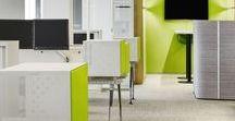 Büro Trendfarbe 2017 greenery grün / greenery oder Grünkohl ist in 2017 die absolute Trendfarbe. Diese macht sich auch super im Büro. Egal, ob Einrichtung oder Accessoires... Grün erfrischt den Büroalltag.