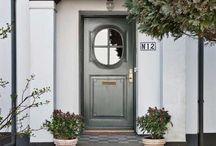 :FRONT DOOR: