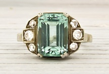 Vintage Engagement Rings / Vintage and antique engagement ring inspiration, from diamonds to aquamarines.