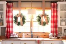 'Tis the Season! / Evergreen trees, sparkling lights, and red bows! Enjoy everything we love about the holiday season in your kitchen and bath. Be inspired by the most wonderful time of the year!