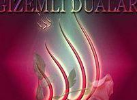 """Etkili Sırlı Gizemli Dualar / Her çeşit istek dilek hacet dualarını içine alan manevi reçete Etkili Sırlı Gizemli Dualar. Çaresiz dertlerin kesin çözümü manevi ilacı ETKİLİ ve SIRLI DUALARI www.gizemlidualar.com sitesinde bulabilir ALLAH'ın izni ile şifaya kavuşursunuz. DUA; """"Çağırmak, seslenmek, istemek, yardım talep etmek"""" anlamlarına gelen dua, Kuran'a göre """"insanın içten bir kalp ile Allah'a yönelmesi, O'na muhtaç bir varlık olduğunun bilinci ile sonsuz güç sahibi, Rahman ve Rahim olan Allah'tan yardım dilemesi""""dir."""