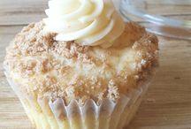 Eat: Dessert / by Meredith VanGundy