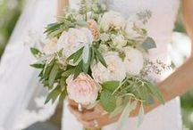 Wedding Flowers / Stunning wedding bouquets, buttonholes and flowers that add the finishing touch to your big day.