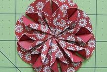 [ Wrapping ] Rosettes / Ideas and how to make paper rosettes