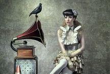 ART & ILLUSTRATION / by Monica Rey