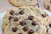 Sweet Treats!! / by AshLea Beagley