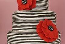 Oh so pretty cakes / by AshLea Beagley