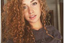 Curly hair / Wild, natural, beautiful: curly hair