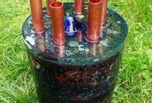 Chembustery / Czym jest chembuster?  Chembuster jest rodzajem działa orgonowego, którego zadaniem jest m.in. rozpraszanie smug chemicznych /tzw. chemtrails/. Jego oddziaływanie jest bardzo duże, jest to ok. 60- 100 km promienia od miejsca jego usytuowania. Ogniskuje on pozytywną energię życiową oraz rozprasza negatywną. Chembuster skutecznie niszczy smugi chemtrails – czyli smugi pojawiające się na niebie po rozproszeniu na nim substancji regulujących populację, szkodliwych dla człowieka jak i przyrody