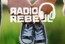 Radiorebell Podcast / Vater und autistischer Sohn podcasten über Liebe, Geschwister, Zeit, Ozeane, Sterne, Realität, Mama, das Universum, Kunst, Musik, Reisen, Trump, Politik, Sport, Schule und viele weitere Themen. Folge für Folge wird ein Thema bearbeitet.