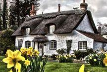 ❀...Cottages & Hideaways / by Jen Luff