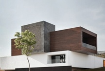 Art & Contemporaries Houses / by RosanaThomasi Fernandes Luis