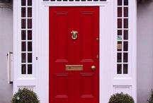 Red Door / Pretty Porches and Entryways