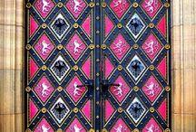 Doors Doors & More Doors / by Tressie Fontenot