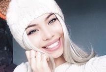 Smiling beauties ++