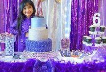 Fiesta de cumpleaños inspirada en Selena / ideas para hacer una fiesta con tematica de selena, como hacer una fiesta de selena, decoracion para un cumpleaños de selena, invitaciones para fiesta de selena, diseño de pastel para una fiesta de selena, mesa de postres para fiesta de selena