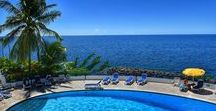 Piscine et Plage / Pool and Beach / Vue panoramique sur la mer des Caraïbes depuis l'Hôtel La Batelière en Martinique ! Panoramic Caribbean sea view from the Hotel La Bateliere, Martinique, French West Indies !