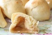 Bread yum yum yum / by Amanda Tierney