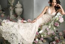Vestidos de Noiva, Buquês, Cabelos, Sapatos e Tudo o Mais... / by Izabel Cristina