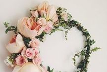 Frilly Florals / Floral arrangement ideas and pretty flower photos