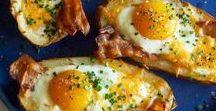 Idées Petit-déjeuner / Toutes mes idées pour se réveiller avec le meilleur des petits-déjeuners. Le matin, les choix sont multiples : viennoiserie, croissant, chocolatine, gâteau maison, cake, tartine, pain frais, bowl, smoothie, brioche, avocado toast, fromage blanc et muesli, etc... Il en faut pour tous les goûts pour bien démarrer la journée :) #petitdejeuner #breakfast