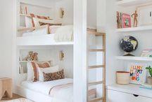 Chambres Malignes / Des chabres avec des idées malignes, pour optimiser l'espace, pour gagner de la place : un lit superposé, un placard caché, un escalier secret...