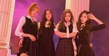 BLΛƆKPIИK /  BLΛƆKPIИK é um grupo sul-coreano formado pela YG Entertainment, sendo o primeiro girl group em sete anos a estrear sob a gravadora após o 2NE1. O grupo consiste em quatro membros: Jisoo, Jennie, Rosé e Lisa