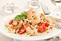 Shrimp Pasta Recipes / Savory shrimp and tender pasta – a match made in taste bud heaven. We can almost taste it!