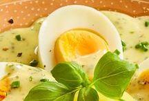 Ostern / Ostern wird oberlecker, da sind wir uns sicher! Bei all den Knaller-Gerichten bleibt am Ende bestimmt sogar die Eier-Suche auf der Strecke. Aber nicht schlimm: Davon gibt's auch auf der Festtafel jede Menge.