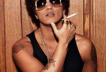 Bruno Mars / Superhero with a microphone
