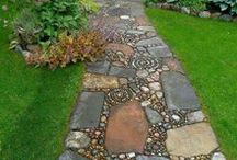 Natural Stone Outdoors / Natural stone is a beautiful and durable material for gardens.