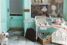 Store Fronts / Beautiful store fronts from around the world.